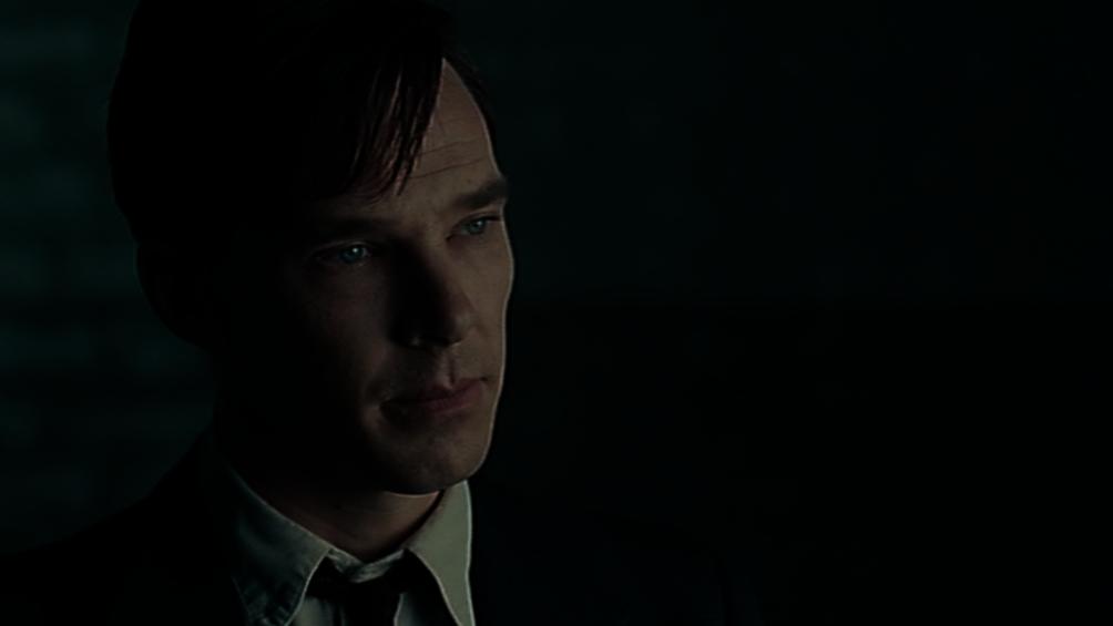 Der Wissenschaftler Alan Turing ist in einer Großaufnahme zu sehen.